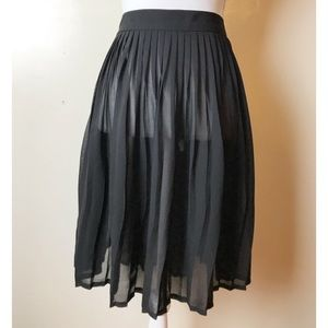 American Apparel • NWOT Pleated Chiffon Skirt
